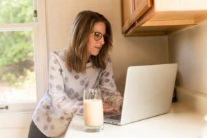Darbas namuose – fantazija ar realybė